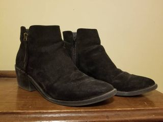 Forever 21 low Cut Boots  No Size