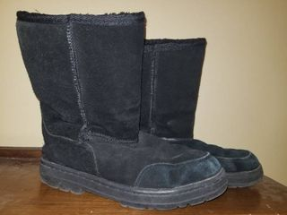Black UGG Boots  Size 8W