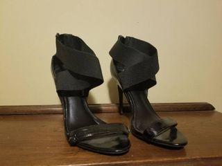 Black Mix No  6 Heels  Size 8 1 2