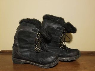 Cute Faux Fur Winter Boots  Size 9