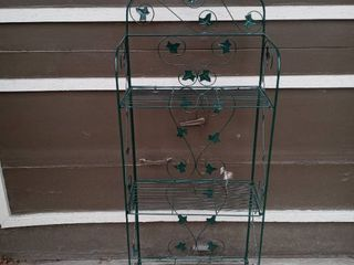 Cool Green Metal Collapsible Plant Stand Shelf