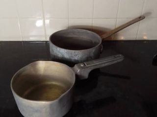 lot of 2 Thick Aluminum Cooking Pots   One is Magnalite Brand and the other says Ann Arbor on Bottom