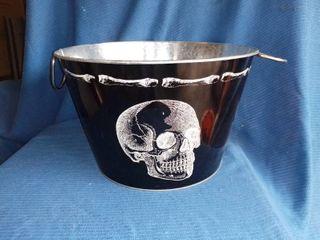 Cool Metal Skull Bucket