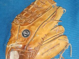 Nike Brown leather Baseball Glove