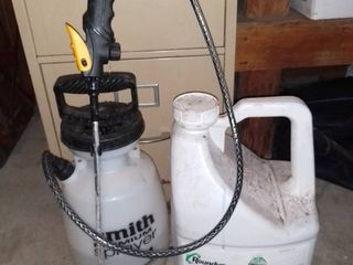 Smith Premium 1 Gallon Sprayer and Half Full Jug of Roundup Pro Concentrate