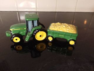 Small Green 1998 John Deere Salt and Pepper Shakers Shaped like A Tractor and Hay Bale