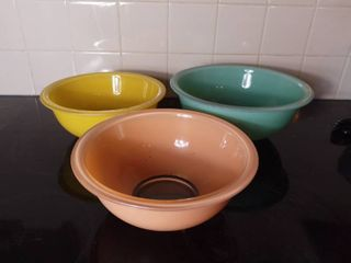 lot of 3 Easter Colored Pyrex Glass Mixing Ovenware Bowls of Various Sizes