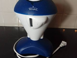 Rival Type IC8 Ice Shaver Model IS150   Tested and Working