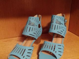 Jolimall Powder Blue Sandals with Chunky Heel Size 9