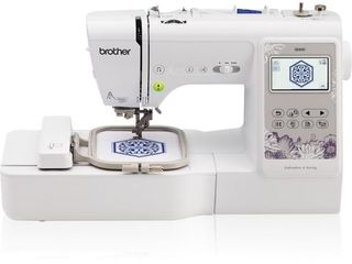 Brother SE600 Combination Computerized Sewing and Embroidery Machine with Color lCD display  80 Embroidery Designs and 4 x4  Field RETAIl PRICE 550 00