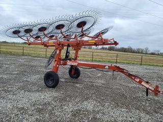 2018 Rhino 10 wheel rake
