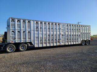 1998 Barrett 50  livestock trailer