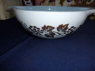Pyrex , Fire King Antiques and Collectibles Auction