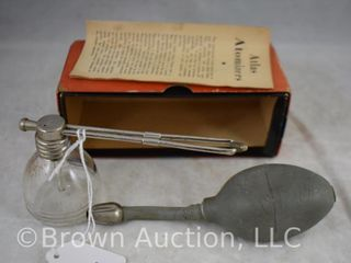 Atlas No  24 atomizer  original box and instructions