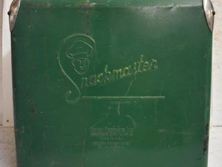 1950 s Snackmaster cooler ice chest w embossed logo