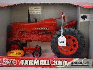 Ertl Case IH McCormick Farmall 300  original box