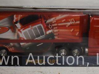 New Ray Peterbilt Model 387 long Hauler  original box