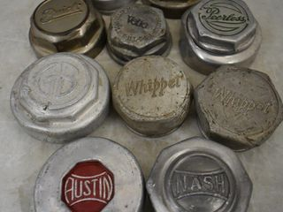 10  Vintage hubcaps   Buick  Chandler  Peerless  Whippet  Austin  Nash  etc