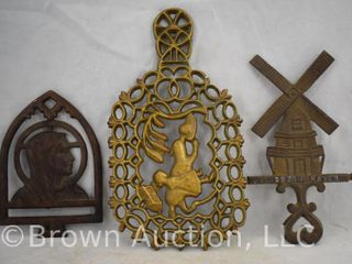 3  Decorative trivets  some CI