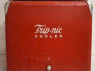 Trip nic Cooler w sandwich tray  plug intact