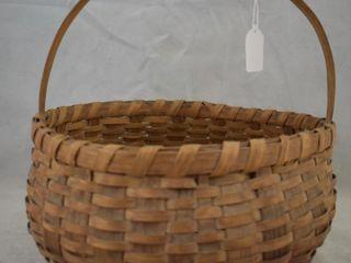 Vintage round wicker basket