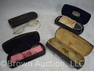 4  pair of Vintage gold tone eyeglasses w cases