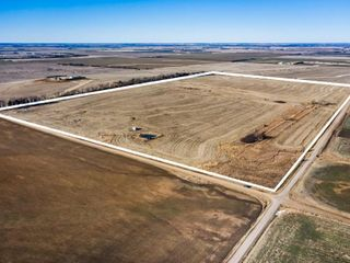 92+/- AC FARMLAND/GRASS/2 FORMER HOMESITES IN SUMNER CO KS