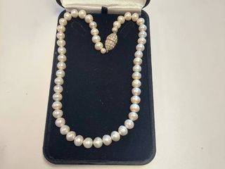Pearl Necklace   Magnetic Clasp