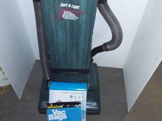 Hoover Vacuum with 2 bags of Vacuum Bags
