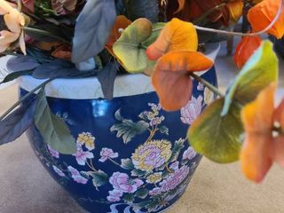 Flowerpot with faux flowers 14 inch