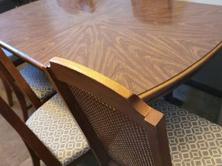 Dining room Table with 6 chairs   1 armchair  and 2 leaves 66 x 42 and leaves are 18 x 42