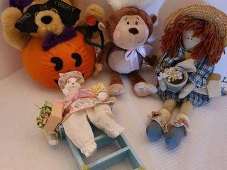 Assorted stuffed toys  1 damaged