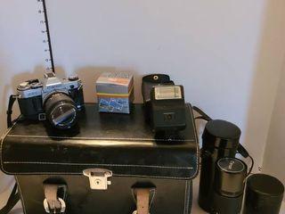 Canon A E 1 35 mm camera with accessories