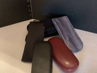 Assorted glasses cases