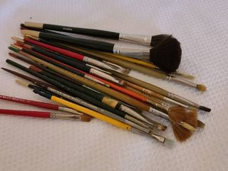 Assorted artist brushes