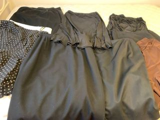 Assorted skirts size is large extra large 16 and 18