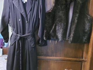 ladies outerwear  size 20 black Misty Harbour trench coat  Size Xl Joan Rivers faux fur vest