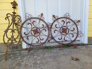 Metal yard or fence decor  3 pieces  Tall one missing support leg