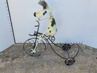 lawn decor dog