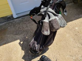 Wilson golf bag  clubs and shoes size 11 5