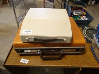 Royal electric typewriter w  case