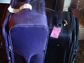 lot of 2 Suitcases