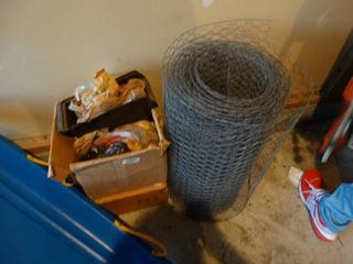 Partial roll of chicken wire   misc