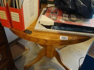Round oak table w  leaf