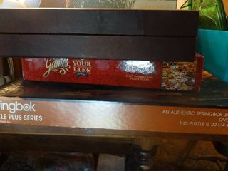 lot of 2 Puzzles and Backgammon