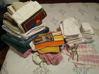 large lot of hand towels