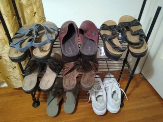 6  pairs of sandals   1 pair of shoes size 8 1 2 to 9 1 2