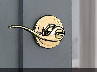 Tustin Bed Bath lever with Microban Antimicrobial Protection in Polished Brass