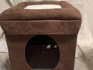 Cat living Square