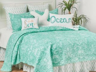 Turquoise Bay Costal Quilt Set   Retail   89 99